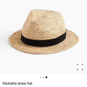 BNWT packable straw hat